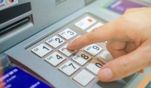 Без скрити такси при теглене от чуждестранен банкомат е друг плюс. Снимка: Shutterstock